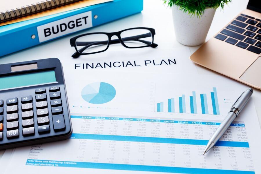 プロジェクト収支管理とは?Excelとシステムの比較ポイント
