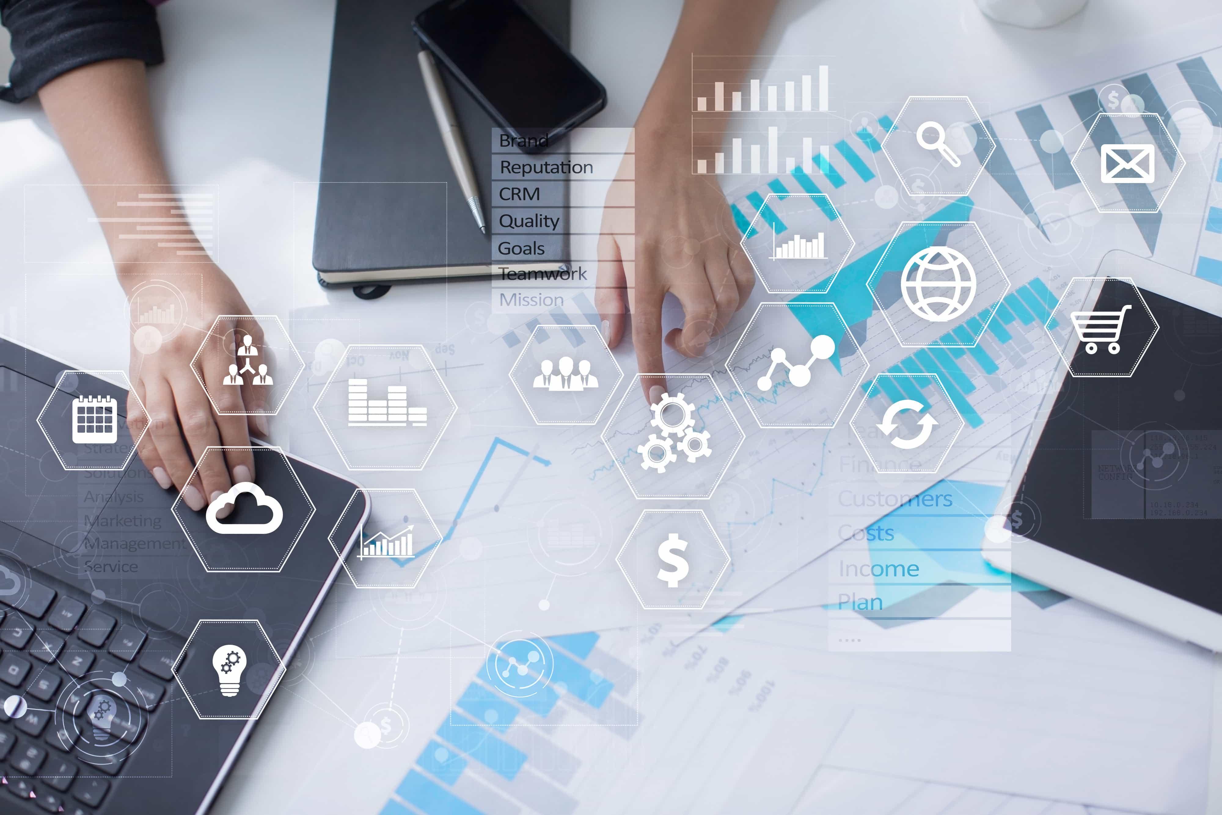 基幹システムとは?ERP、情報系システムとの違いやメリットを説明